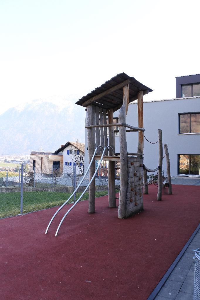Spielplatz Attinghausen Primarschulhaus