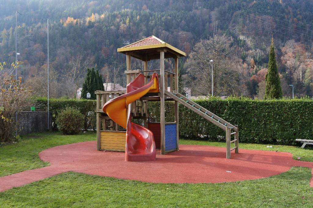 Spielplatz Seedorf Kreisprimarschulhaus